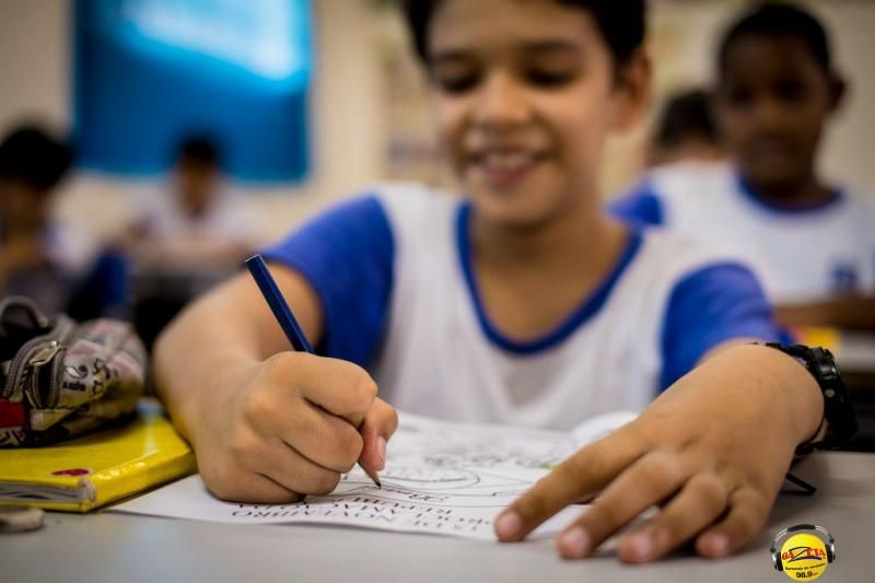 Para vencer osdesafios, a Seduc desenvolve vários projetos para atender crianças, jovens e adultos.