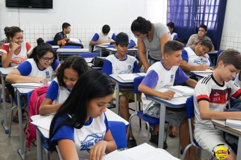 Seduc orienta escolas a tomarem medidas para reduzir os efeitos do calor e baixa umidade do ar